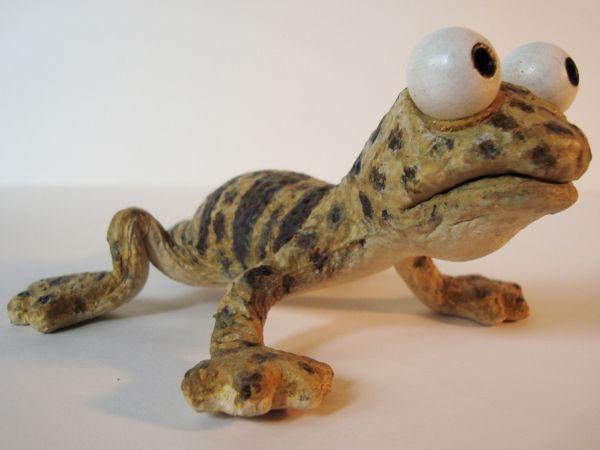 <span>'Sun-dried' Gecko Puppet</span><i>→</i>