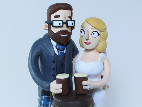 <span>Wedding Cake Topper</span><i>→</i>