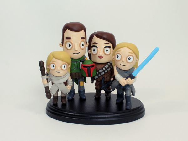 <span>Star Wars Family Portrait</span><i>→</i>